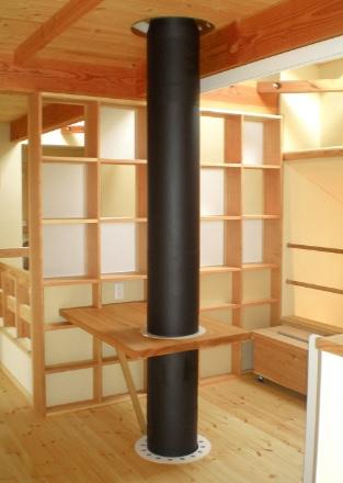 2階ホール(強制循環高換気システム型2重煙突)